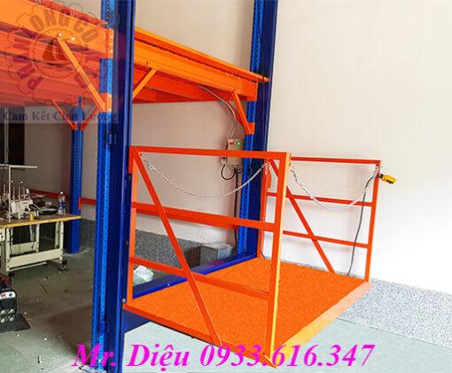 thang nâng hàng thủy lực 500kg
