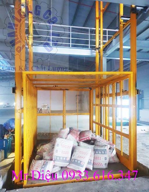 Thang nâng hàng thủy lực 2500kg