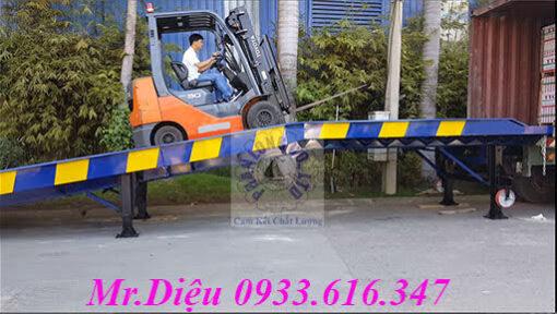 Cầu dẫn xe nâng lên container chính hãng